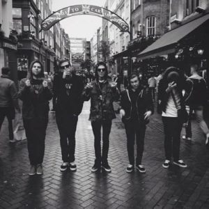 the neighbourhood фото перевод
